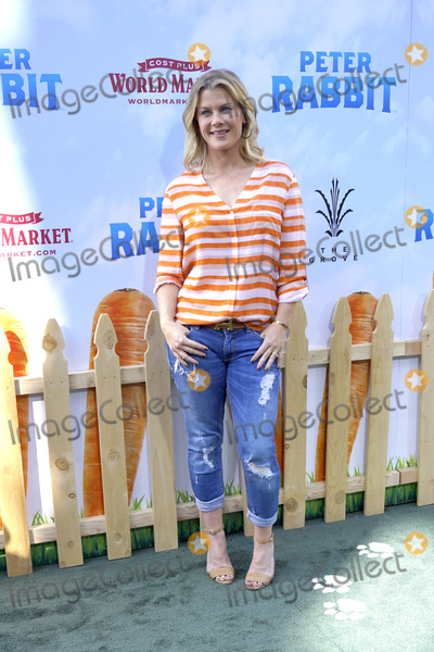 "Alison Sweeney, Peter Rabbit, Peter André Photo - LOS ANGELES - FEB 3:  Alison Sweeney at the ""Peter Rabbit"" Premiere at the Pacific Theaters at The Grove on February 3, 2018 in Los Angeles, CA"