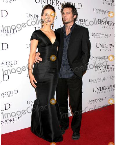 Kate Beckinsale, Len Wiseman, Underworld Photo - Kate BeckinsaleLen WisemanUnderworld Evolution World PremiereCinerama DomeLos Angeles, CAJanuary 11, 2006
