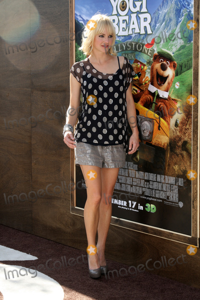"Anna Faris, Anna Maria Perez de Taglé Photo - LOS ANGELES - DEC 11:  Anna Faris arrives at the ""Yogi Bear 3-D"" Premiere at The Village Theater on December 11, 2010 in Westwood, CA."