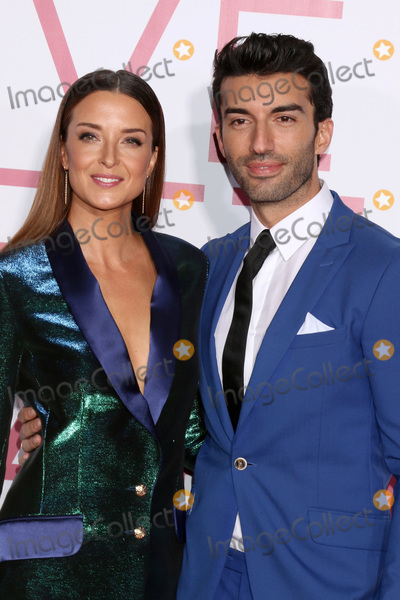 "Justin Baldoni, Emily Baldoni Photo - LOS ANGELES - MAR 7:  Emily Baldoni, Justin Baldoni at the ""Five Feet Apart"" Premiere at the Bruin Theater on March 7, 2019 in Westwood, CA"
