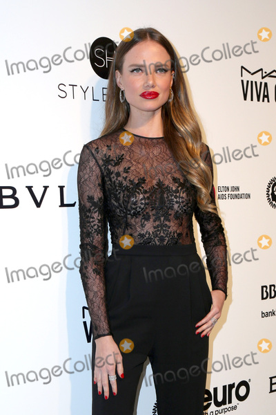 Elton John, Alicia Rountree Photo - LOS ANGELES - FEB 26:  Alicia Rountree at the Elton John Oscar Viewing Party 2017 at the City of West Hollywood Park on February 26, 2017 in West Hollywood, CA