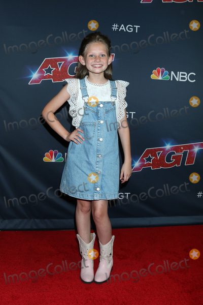 "Ansley Burns Photo - LOS ANGELES - AUG 13:  Ansley Burns at the ""America's Got Talent"" Season 14 Live Show Red Carpet at the Dolby Theater on August 13, 2019 in Los Angeles, CA"