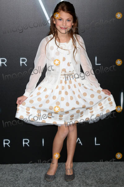 """Abigail Pniowsky Photo - LOS ANGELES - NOV 6:  Abigail Pniowsky at the """"Arrival"""" Premiere at Village Theater on November 6, 2016 in Westwood, CA"""