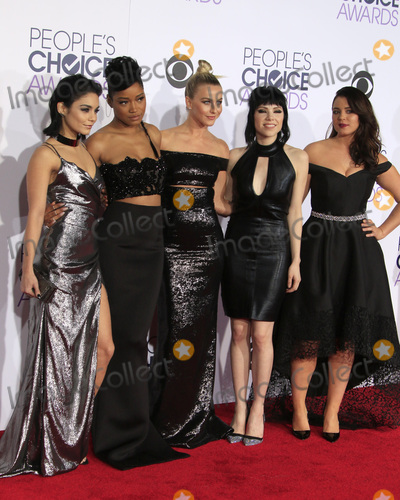 Julianne Hough, Keke Palmer, Vanessa Hudgens, Carly Rae Jepsen, Kether Donohue, Vanessa  Hudgens Photo - LOS ANGELES - JAN 6:  Vanessa Hudgens, Keke Palmer, Julianne Hough, Carly Rae Jepsen, Kether Donohue at the Peoples Choice Awards 2016 - Arrivals at the Microsoft Theatre L.A. Live on January 6, 2016 in Los Angeles, CA
