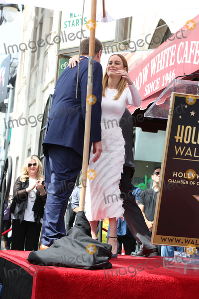 Brie Larson, John Goodman Photo - LOS ANGELES - MAR 10:  John Goodman, Brie Larson at the John Goodman Walk of Fame Star Ceremony on the Hollywood Walk of Fame on March 10, 2017 in Los Angeles, CA