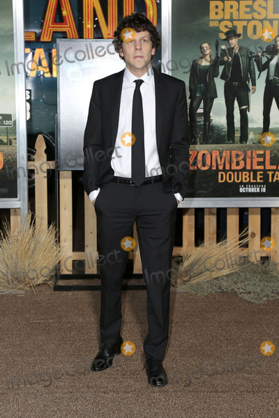"""Jesse Eisenberg Photo - LOS ANGELES - OCT 11:  Jesse Eisenberg at the """"Zombieland Double Tap"""" Premiere at the TCL Chinese Theater on October 11, 2019 in Los Angeles, CA"""