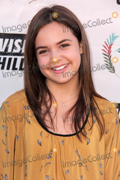 Bailee Madison Photo - LOS ANGELES - AUG 10:  Bailee Madison at the ???Invisible Children Fourth Estate's Founders Party at the UCLA on August 10, 2013 in Westwood, CA