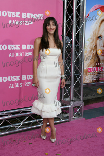 Photos And Pictures Katharine Mcphee On The Red Carpet Arrivimg At The Premiere Of House Bunny At The Mann S Village Theater In Westwood Ca On August 20 2008