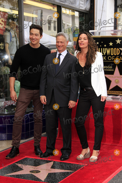 Alana de la Garza, Daniel Henney, Gary Sinise Photo - LOS ANGELES - APR 17:  Daniel Henney, Gary Sinise, Alana De La Garza at the Gary Sinise Honored With Star On The Hollywood Walk Of Fame on April 17, 2017 in Los Angeles, CA