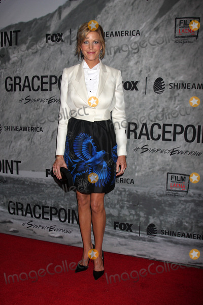 "Anna Gunn Photo - LOS ANGELES - SEP 30:  Anna Gunn at the ""Gracepoint"" Premiere Party at LACMA on September 30, 2014 in Los Angeles, CA"
