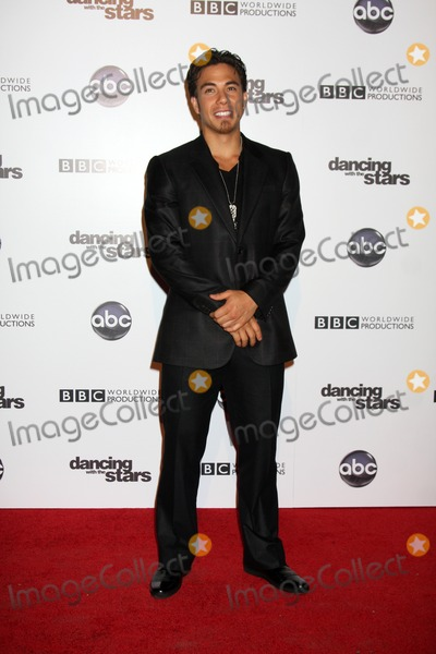 Apolo Anton Ohno Photo - LOS ANGELES - NOV 1:  Apolo Anton Ohno  arrives at the Dancing With The Stars 200th Show Party at Boulevard3 on November 1, 2010 in Los Angeles, CA