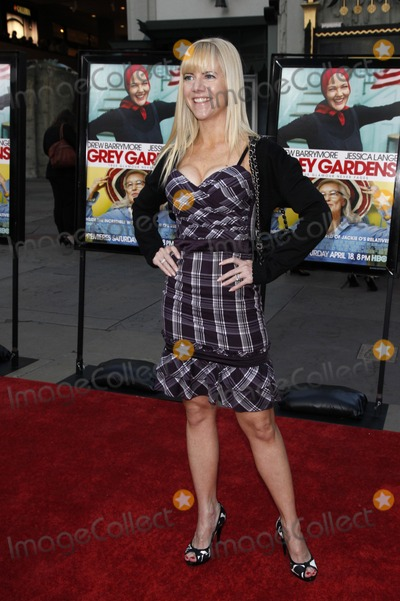 """Jennifer Elise Cox, Jennifer Elise Photo - Jennifer Elise Cox arriving at the LA Screening of the HBO Movie """"Grey Gardens"""" at Grauman's Chinese Theater, in Los Angeles, CA on April 16, 2009"""