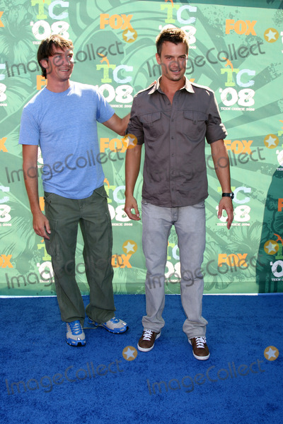 Jerry O'Connell, Josh Duhamel, Leighton Meester Photo - Jerry O'Connell & Josh Duhamel arriving t at the Teen Choice Awards 2008 at the Universal Ampitheater at Universal Studios in Los Angeles, CAAugust 3, 2008