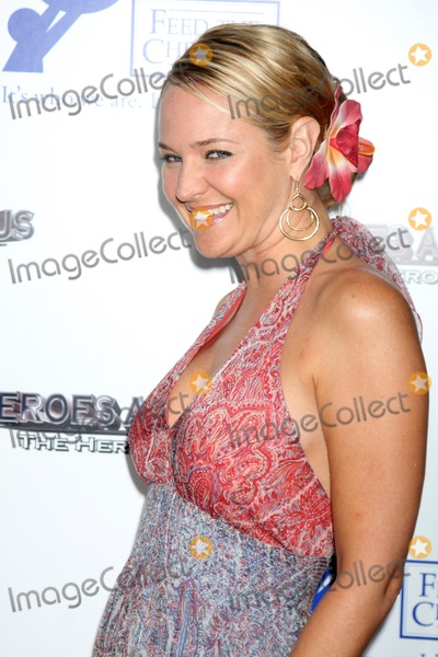 Sharon Case Photo - Sharon Case  arriving at the 2009 Hero Awards at the Universal Backlot  in Los Angeles, CA  on May 29, 2009