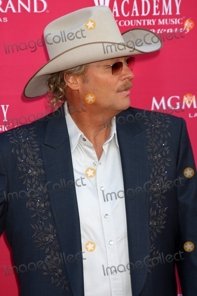 Alan Jackson, (+44), +44 Photo - Alan Jackson  arriving at the 44th Academy of Country Music Awards at the MGM Grand Arena in  Las Vegas, NV on April 5, 2009