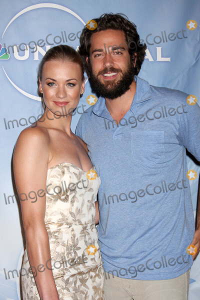 Yvonne Strahovski, Zach Levi Photo - Yvonne Strahovski & Zach Levi  arriving at the NBC TCA Party at The Langham Huntington Hotel & Spa in Pasadena, CA  on August 5, 2009
