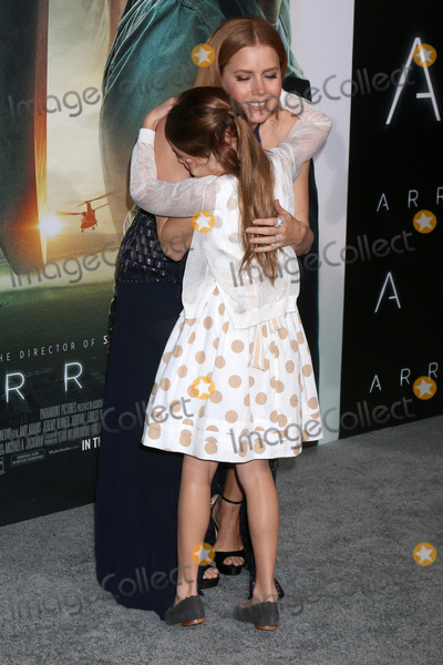 "Amy Adams, Abigail Pniowsky Photo - LOS ANGELES - NOV 6:  Abigail Pniowsky, Amy Adams at the ""Arrival"" Premiere at Village Theater on November 6, 2016 in Westwood, CA"