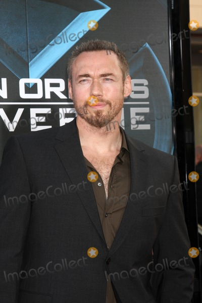 """Kevin Durand Photo - Kevin Durand arriving at the """"X-Men Origins:  Wolverine"""" screening at Grauman's Chinese Theater in Los Angeles, CA on April 28, 2009"""