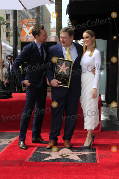 Brie Larson, John Goodman, Tom Hiddleston, Tom Hiddlestone, Tom   Hiddleston Photo - LOS ANGELES - MAR 10:  Tom Hiddleston, John Goodman, Brie Larson at the John Goodman Walk of Fame Star Ceremony on the Hollywood Walk of Fame on March 10, 2017 in Los Angeles, CA