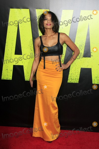 """Amber Dixon Photo - LOS ANGELES - JUN 25:  Amber Dixon arrives at the """"Savages"""" Premiere at Village Theater on June 25, 2012 in Westwood, CA"""