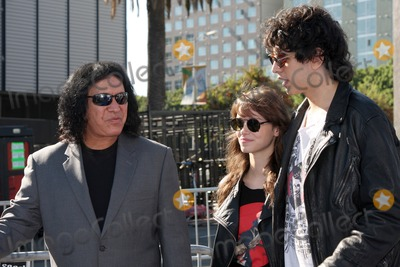 Gene Simmons, Nick Simmons, Alex Essoe, Hüsker Dü Photo - LOS ANGELES - AUG 14:  Gene Simmons; Alex Esso; Nick Simmons arriving at the 2011 VH1 Do Something Awards at Hollywood Palladium on August 14, 2011 in Los Angeles, CA