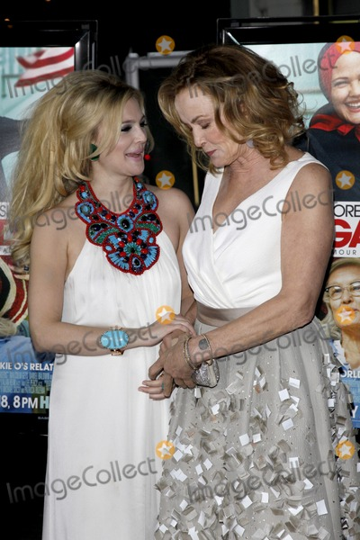 "Drew Barrymore, Jessica Lange, Jessica Lang Photo - Drew Barrymore & Jessica Lange  arriving at the LA Screening of the HBO Movie ""Grey Gardens"" at Grauman's Chinese Theater, in Los Angeles, CA on April 16, 2009"