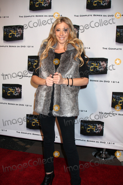 """Aubry Fisher Photo - LOS ANGELES - DEC 2:  Aubry Fisher arrives at the """"24"""" Marathon Challenge Event  at Hollywood & Highland Center Court on December 2, 2010 in Los Angeles, CA."""