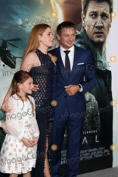 """Amy Adams, Jeremy Renner, Abigail Pniowsky Photo - LOS ANGELES - NOV 6:  Abigail Pniowsky, Amy Adams, Jeremy Renner at the """"Arrival"""" Premiere at Village Theater on November 6, 2016 in Westwood, CA"""