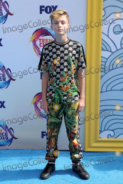 Avi Angel Photo - LOS ANGELES - AUG 11:  Avi Angel at the Teen Choice Awards 2019 at Hermosa Beach on August 11, 2019 in Hermosa Beach, CA