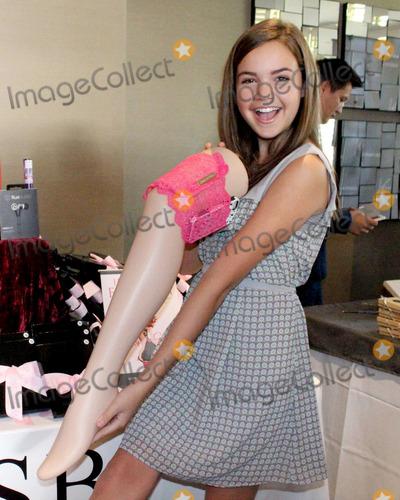 Girly Go Garter At Kiis Fm Teen Choice Gift Suite