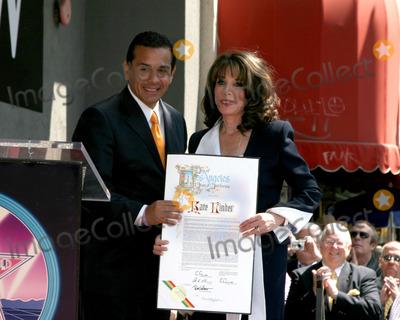 Antonio Villaraigosa, Kate Linder Photo - Antonio Villaraigosa & Kate LinderKate Linder receives a Star on the Hollywood Walk of FameLos Angeles, CAApril 10, 2008