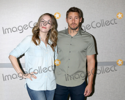 Scott Clifton, Annika Noelle Photo - LOS ANGELES - JUN 22:  Annika Noelle, Scott Clifton at the Bold and the Beautiful Fan Club Luncheon at the Marriott Burbank Convention Center on June 22, 2019 in Burbank, CA
