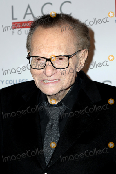 Larry King Photo - LOS ANGELES - MAR 12:  Larry King at the Los Angeles Community College 2019 Gala at the Beverly Wilshire Hotel on March 12, 2019 in Beverly Hills, CA
