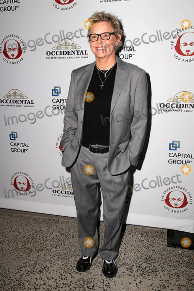 Amanda Bearse, Shakespear Photo - LOS ANGELES - DEC 8:  Amanda Bearse at the 25th Annual Simply Shakespeare at the Broad Stage on December 8, 2015 in Santa Monica, CA