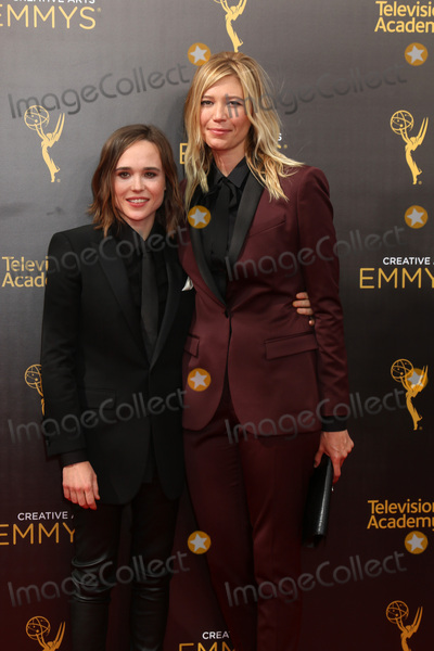 Ellen Page Photo - LOS ANGELES - SEP 11:  Ellen Page, guest at the 2016 Primetime Creative Emmy Awards - Day 2 - Arrivals at the Microsoft Theater on September 11, 2016 in Los Angeles, CA