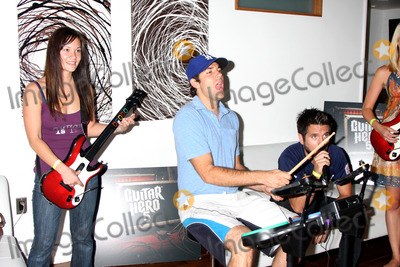 Gomez, Joshua Gomez, Zachary Levi, Amy Pham Photo - Amy Pham, Zachary Levi, Joshua Gomez