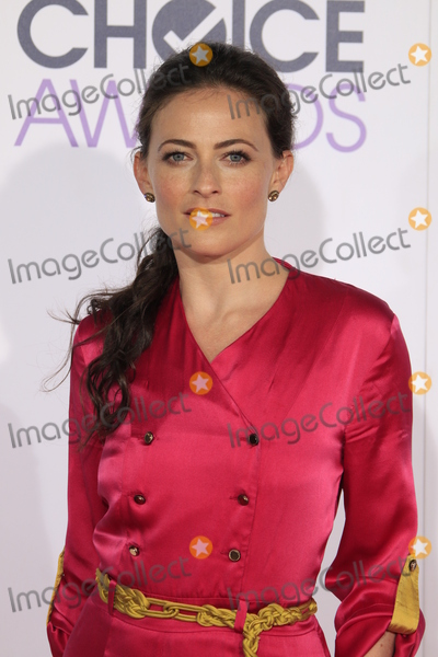 Lara Pulver Photo - LOS ANGELES - JAN 6:  Lara Pulver at the Peoples Choice Awards 2016 - Arrivals at the Microsoft Theatre L.A. Live on January 6, 2016 in Los Angeles, CA