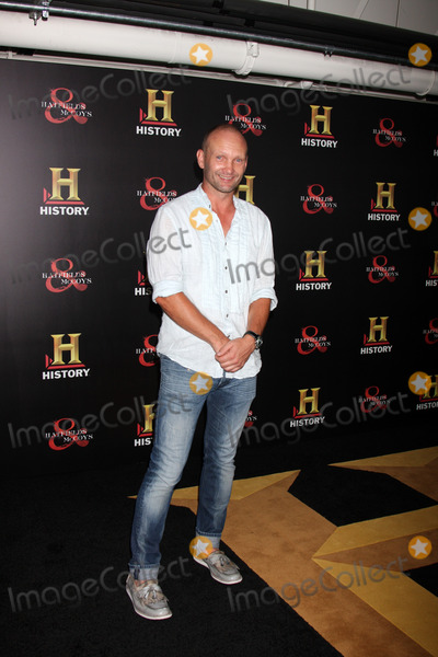 """Andrew Howard Photo - LOS ANGELES - SEP 22:  Andrew Howard arrives at the """"HATFIELDS & McCOYS"""" Pre-Emmy Party at SOHO Club on September 22, 2012 in West Hollywood, CA"""