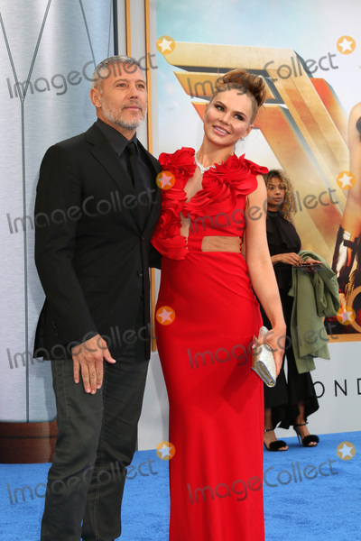 """Max Ryan, Alyssandra Snows Photo - LOS ANGELES - MAY 25:  Max Ryan, Alyssandra Snows at the """"Wonder Woman"""" Los Angeles Premiere at the Pantages Theater on May 25, 2017 in Los Angeles, CA"""