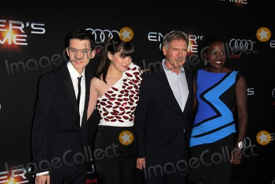 """Hailee Steinfeld, Harrison Ford, Viola Davis, Asa Butterfield Photo - LOS ANGELES - OCT 28:  Asa Butterfield, Hailee Steinfeld, Harrison Ford, Viola Davis at the """"Ender's Game"""" Los Angeles Premiere at TCL Chinese Theater on October 28, 2013 in Los Angeles, CA"""