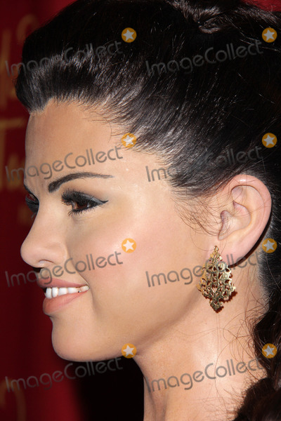 Gomez, Selena Gomez Photo - LOS ANGELES - DEC 19:  Selena Gomez Wax Figure at the Selena Gomez Wax Figure Unveiling at Madame Tussauds Hollywood  on December 19, 2013 in Los Angeles, CA