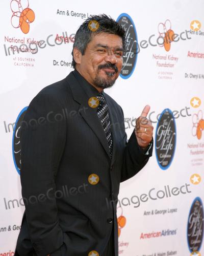 George Lopez Photo - George LopezThe Gift of Life Celebration 2007National Kidney Foundation BenefitWarner Brothers Studio LotBurbank, California USAApril 29, 2007