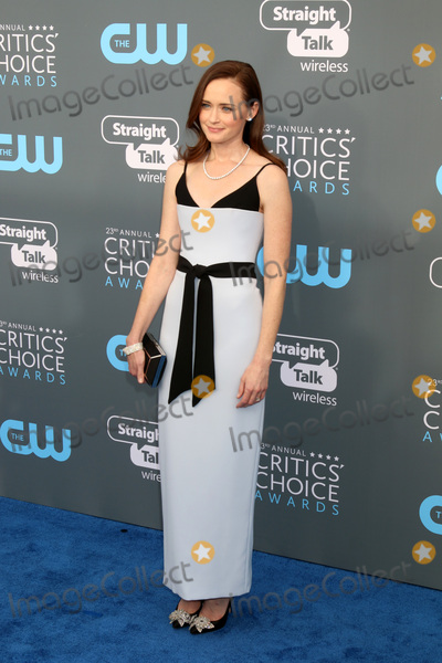 Alexis Bledel Photo - LOS ANGELES - JAN 11:  Alexis Bledel at the 23rd Annual Critics' Choice Awards at Barker Hanger on January 11, 2018 in Santa Monica, CA