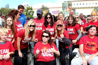 Courteney Cox, Kate Linder, Reese Witherspoon, Renee Zellweger, Rene Zellweger, Nanci Ryder Photo - LOS ANGELES - OCT 16:  Reese Witherspoon, Friend, Nanci Ryder, Courteney Cox, Renee Zellweger, Kate Linder at the ALS Association Golden West Chapter Los Angeles County Walk To Defeat ALS at the Exposition Park on October 16, 2016 in Los Angeles, CA