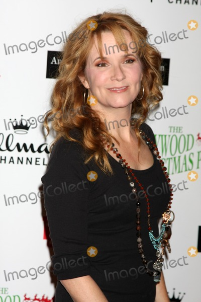 Lea Thompson, Léna Jam-Panoï Photo - LOS ANGELES - NOV 27:  Lea Thompson arrives at the 2011 Hollywood Christmas Parade at Hollywood Boulevard at Sycamore on November 27, 2011 in Los Angeles, CA