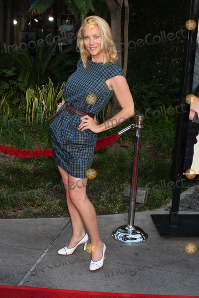 """Angie Featherstone Photo - Angie Featherstone  arriving at the """"Funny People""""  World Premiere at the ArcLight Hollywood Theaters in Los Angeles,  CA   on July 20, 2009"""