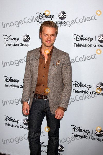 Adam Campbell Photo - LOS ANGELES - JAN 17:  Adam Campbell at the Disney-ABC Television Group 2014 Winter Press Tour Party Arrivals at The Langham Huntington on January 17, 2014 in Pasadena, CA