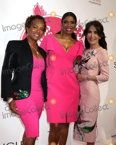Pink, Vanessa Bell Calloway, Areva Martin Photo - LOS ANGELES - MAY 19:  Vanessa Bell Calloway, Areva Martin, Robin McGraw at the 11th Annual A Pink Pump Affair at the Beverly Hilton Hotel on May 19, 2019 in Beverly Hills, CA