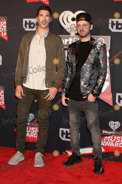Photo - LOS ANGELES - MAR 5:  Timeflies, Cal Shapiro, Rob Resnick at the 2017 iHeart Music Awards at Forum on March 5, 2017 in Los Angeles, CA