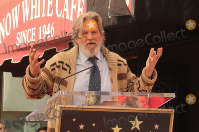 Jeff Bridges, John Goodman Photo - LOS ANGELES - MAR 10:  Jeff Bridges at the John Goodman Walk of Fame Star Ceremony on the Hollywood Walk of Fame on March 10, 2017 in Los Angeles, CA